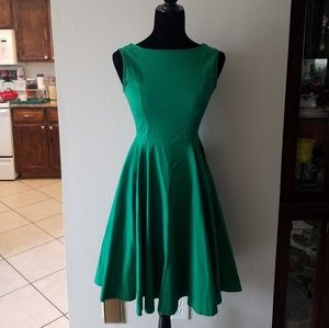 Dresses & Skirts - Vintage emerald green fit and flare dress